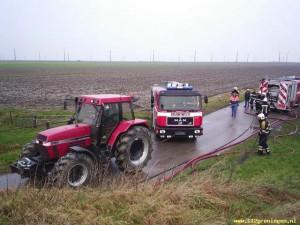 los trekken van een brandweer auto ingeval van nood zijn we er ook