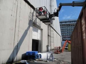 werken met manbak en valbeveiliging bij suiker terminal eemshaven