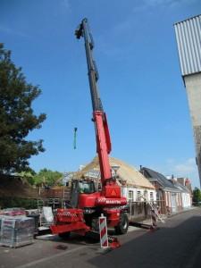 woning voor zien van nieuwe dakspanten met hijsblok02
